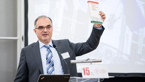Dr. Ralf Thomas Göllner, M. A.  2. Vorsitzender des Ungarischen Instituts der Universität Regensburg