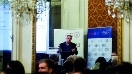 Europäische Integration unter Stress: Ein Vergleich der Euro- und Flüchtlingskrise