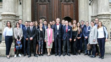 Traumberuf EU-Beamte(r) –  Vorbereitung auf den Europäischen Concours am Lehrstuhl für Diplomatie II