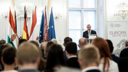 Kossuth Rundfunk: Interview mit dem Rektor