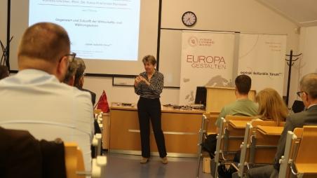 Prof. Dr. Sonja Puntscher Riekmann über die Gegenwart und Zukunft der Wirtschafts- und Währungsunion