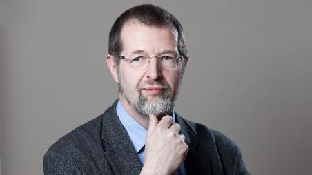 Dr. Marcell Mártonffy erhält den Artisjus-Literaturpreis in der Kategorie Essay