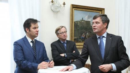 AUB-Alumni zu Besuch beim holländischen Botschafter in Budapest