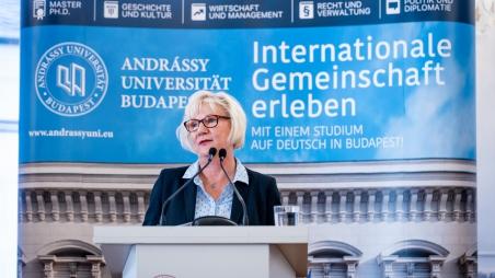 Inter- und Transdisziplinäre Forschungsprojekte im Fokus - Verleihung der Donau Exzellenz Preise der PADME Stiftung  an der Andrássy Universität Budapest