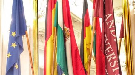 Studierende treffen Alumni in Brüssel
