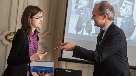 Alumniverein spendet erneut Zeitschriftenabo für Studierendenschaft