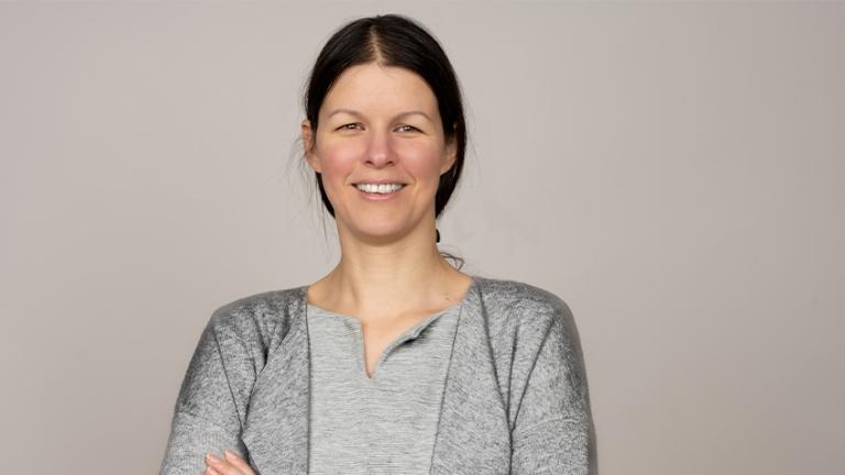 Dr. habil. Krisztina  SLACHTA