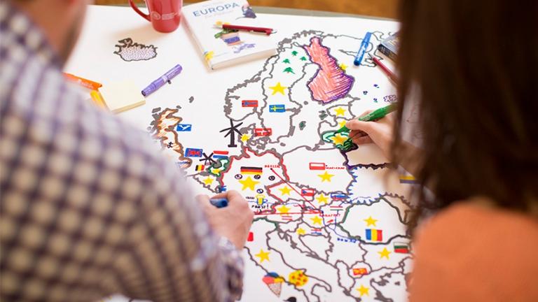 Verfassungsgebungsprozesse im Vergleich und politische Regime in Mittel- und Osteuropa